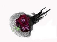 Готический букет из 3-х роз