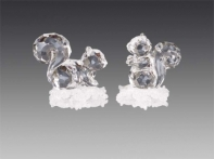 Белочка хрустально-прозрачная на белой искристой снежинке, асс. из 2-х, 5х6 см