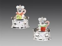 Медвежонок хрустальный с подарками на серебряном барабане со стразами, асс. из 2-х, 6х8 см